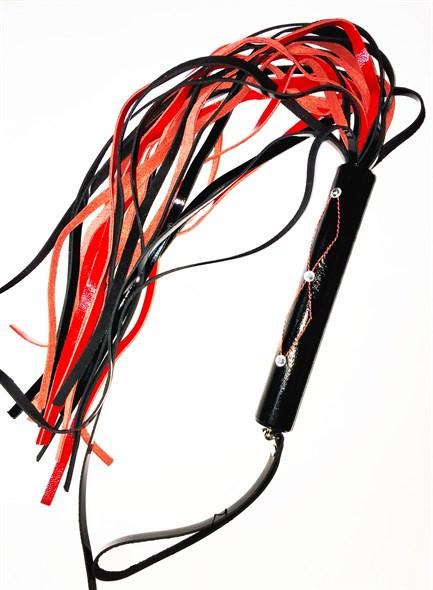 Плеть со стразами на рукояти черно-красный лак, 24 хвоста - фото 42121