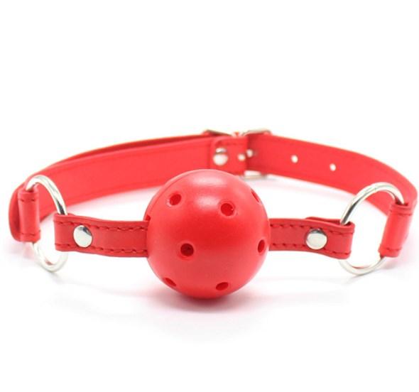 Кляп дышащий на ремне из искусственной кожи, красный, диаметр 4,5см - фото 42863
